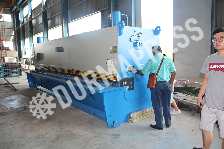Bangladesh customers come to Durmapress 3 .jpg