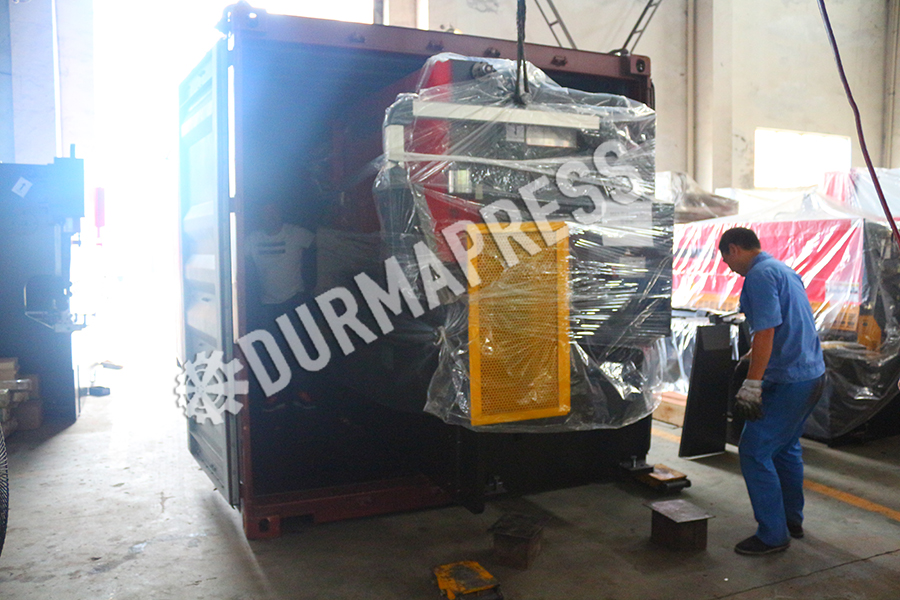 63TonX2500 delivery out to Russia .jpg